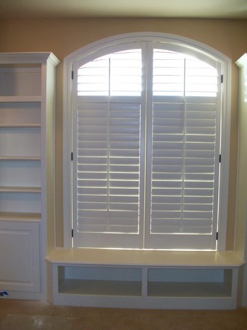 Wood Return Fit Shutters (hinged to jamb)